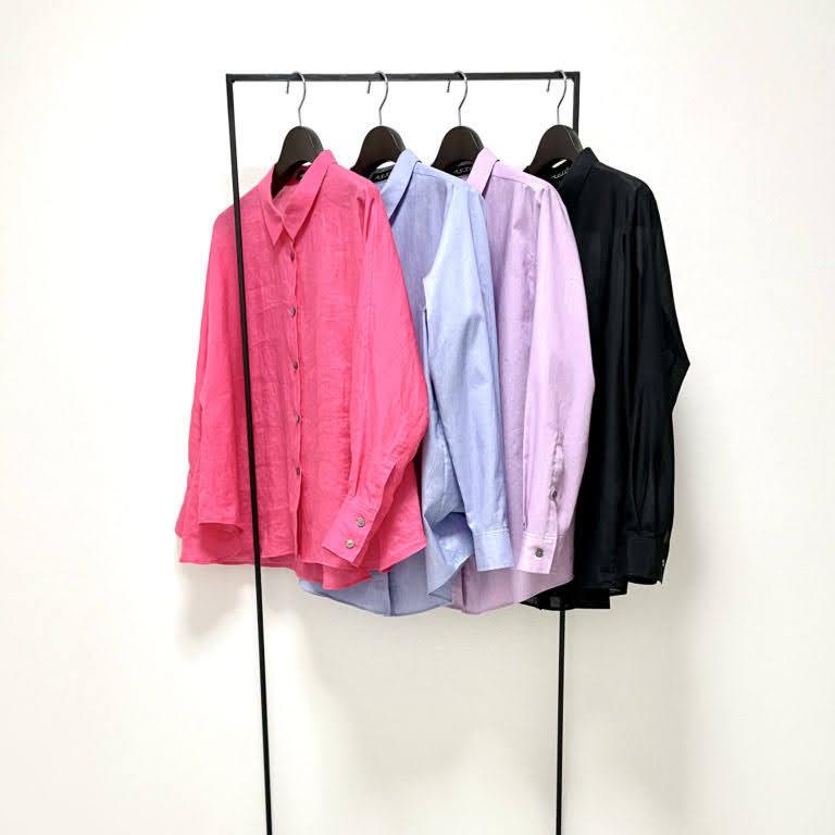 オーダーメイドの職人が一枚ずつ縫い上げた、着るだけで様になる着こなしテクニックのいらない、女性らしいシャツ